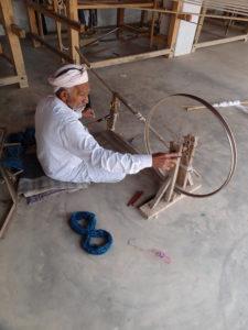 カディ チャルカ(糸車)