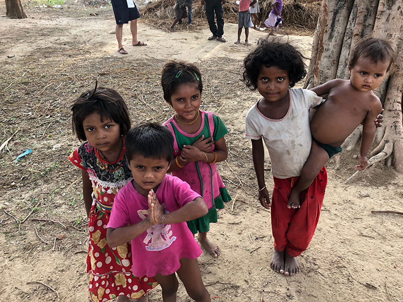 ハティヤール村の子供たち